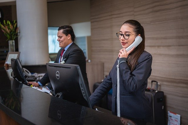 receptionists-5975962_640